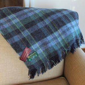 New Ireland Pure New Wool Throw Blanket Green Blue
